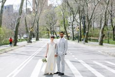 New-York-City-Elopement-12 #apple #bun #blossom #city #big #the #bride #car #taxi #nyc #wedding