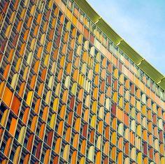 Paisajes Urbanos de Matthias Heiderich | Camionetica.com | Cultura Visual y Proyectos Creativos #color #germany #minimalism #photography #architecture #building #window