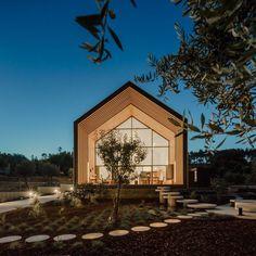 Beautiful Monolithic Home Built of Prefabricated Black Concrete Panels 21