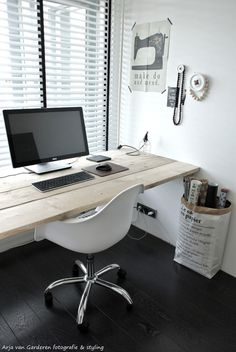 Black, white & wood: My workplace # 2 #office #desk #home #workspace