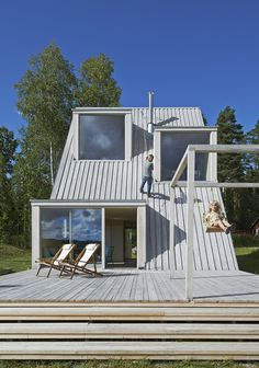 Summer house with triangular profile Leo Qvarsebo - HomeWorldDesign (11) #retreat #sweden #architecture #summer