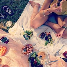 Ollie Hooper #sun #girl #outside #food #shine #summer #garden #salad #bbq