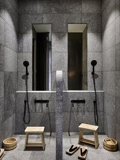shower / B.E Architecture