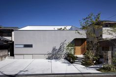 House in Mihara by +Aao
