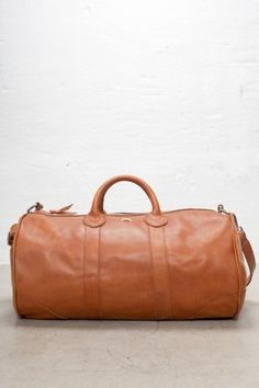 http://thisisnotnew.tumblr.com/ #fashion #brown #leather #bag #sports