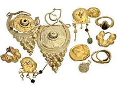Jewelry: vintage jewelry/fragments from the antique, high-carat Gold