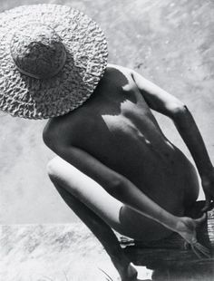 4_1932595a.jpg 409×537 pixels #munkasci #straw #white #a #nude #in #black #photography #hat #and #martin