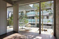 Balcony House by Ryo Matsui Architects Inc #modern #design #minimalism #minimal #leibal #minimalist