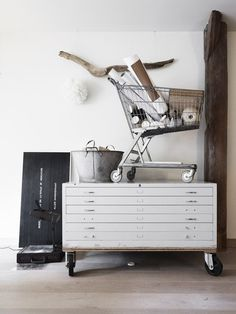From http://convoy.tumblr.com #interior #design #industrial #casual