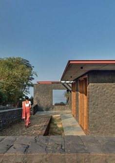 Single Level Pavilion Build as a Retreat to Escape the Frenetic Pace of Mumbai Life 1