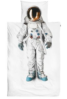 tumblr_mi52at3rRI1qz6f9yo2_r1_500 #cover #astronaut #bed #space