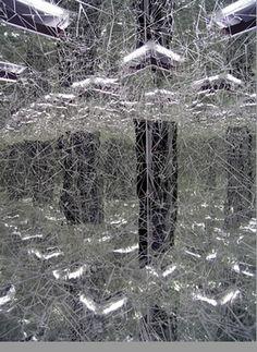 tumblr_m1cutwCyyM1qavyw4o3_400.jpg (imagen JPEG, 323 × 443 píxeles) #space #art #installation