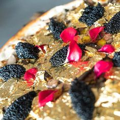Would You Pay $2,000 for a Pizza Topped With 24-Karat Gold? #truffles #OsetraCaviar #foiegras #Pizza #2kpizza #foodporn