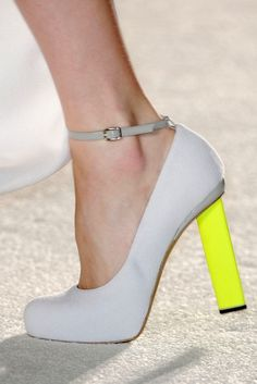 neon and neutral #heels #neon