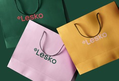 Lesko Corporate Design - Mindsparkle Mag Jarosław Dziubek is the designer of this project: the Corporate Design for Lesko. He used strong, contrasting colors and a simple typography for the logo, stationary and signage and was able to achieve a beautiful and modern brand identity. #logo #packaging #identity #branding #design #color #photography #graphic #design #gallery #blog #project #mindsparkle #mag #beautiful #portfolio #designer