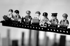 Lunch Atop a Skyscraper auf Flickr - Fotosharing! #lego