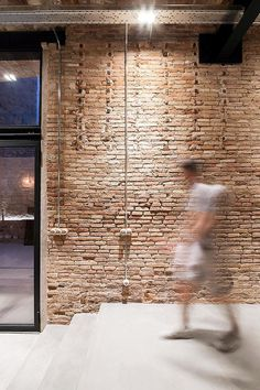 FFWD Arquitectes Turned an Old Carpentry Workshop in Industrial Loft