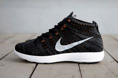 The Nike Lunar Flyknit Chukka Midnight Fog/Black Total Orange #nike #chukka #flyknit