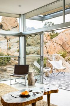Prefab Sustainable Home Perched Amidst a Pristine High Desert 8