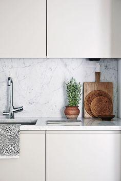 Joanna Laajisto lives here! emmas designblogg #interior #design #decor #kitchen #marble #deco #decoration