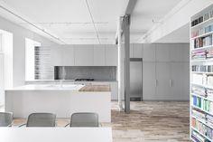 Espace St-Dominique by Anne Sophia Goneau #modern #design #minimalism #minimal #leibal #minimalist