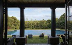 f2beb7ae-0767-4d89-9419-e43335061051.jpg 1200×759 pixels #pool #chair #garden #hamptons #pillars
