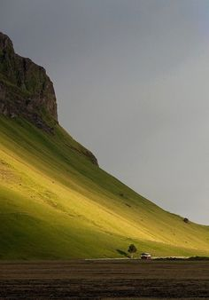 tumblr_lz82qz8zWW1ql9wl2o1_1280.jpg (533×764) #green #house #landscape