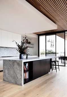 Holly Penthouse in Melbourne Combines Luxury with a Welcoming Atmosphere 1