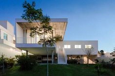 Concrete White House In Brazil Overlooks The City From Above 16