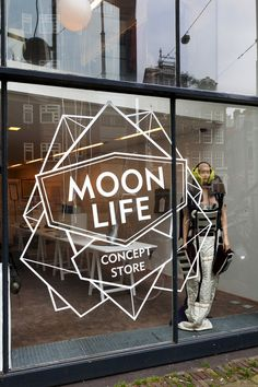 11_moonlife_conceptstore_01