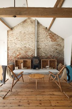 Brick and Wood #interior #brick #white