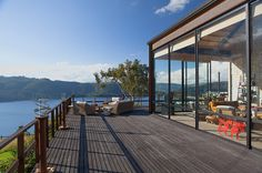 Lake House by Fernando de la Carrera and Alejandro Cavanzo - HomeWorldDesign (7)