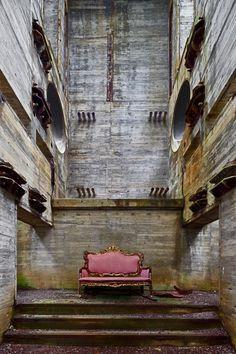Alfonso Batalla1 #sofa #concrete