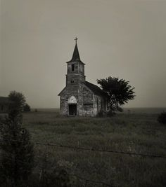 %C2%A9+2011+Katya+Kirilloff+All+Rights+Reserved.jpg (810×917) #church #aged #photography
