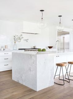 White kitchen. Photo by Tessa Neustadt. #kitchen #tessaneustadt