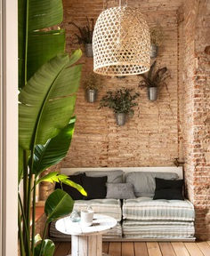 Marta Castellano Restored an old Home in Barcelona