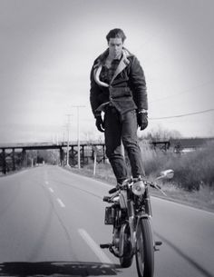 tumblr_ljko9giaVz1qj0qlso1_500.jpg 500×645 píxeles #photo #motorcycle