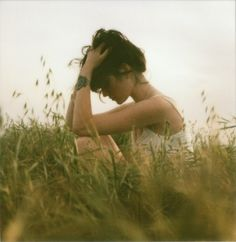 ISO50 Blog – The Blog of Scott Hansen (Tycho / ISO50) » The blog of Scott Hansen (aka ISO50 / Tycho) #photo #field #girl #grass