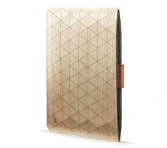 These geometric sleeves are the latest handcrafted wooden accessory created by the Portland-based brand Grovemade. #wood #ipad #geometrical