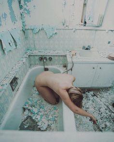 Dreamlike and Conceptual Photography by Shaina Sterrett