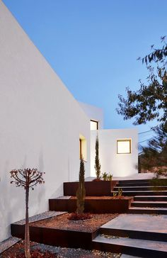 OHLAB Has Designed An Environmentally Low-Impact Home in Mallorca