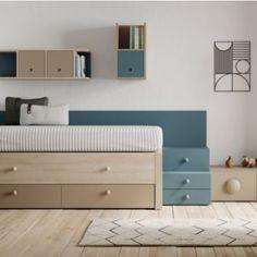 Dormitorio juvenil compacto compuesto por dos camas y cajones, la cama de enmedio es muy fácil de abrir todas las noches ya que lleva ruedas. El dormitorio está amueblado con módulos de cajones a modo de escalera y una mesa de estudio abatible con estantería incorporada
