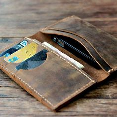 Distressed Leather iPhone 5 Wallet #tech #flow #gadget #gift #ideas #cool