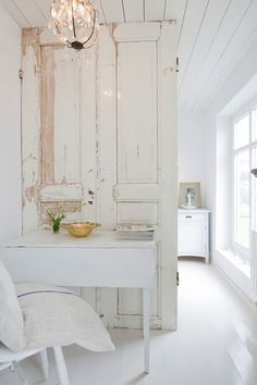 The Design Chaser: Interior Styling   Rustic Doors