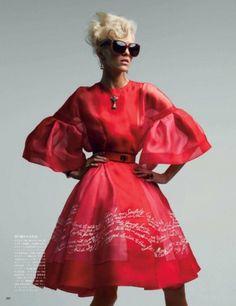 Merde! - Fashion photography (Anja Rubik in Dior Haute... #fashion