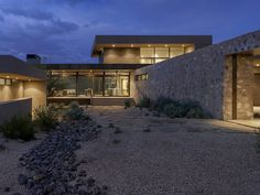 Winter Retreat Located in the Arid Desert of Scottsdale, Arizona 6