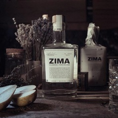 We carry on the old traditions. The recipe remains the same since 1965, and so does the commitment to the local environment of Posavje region where every step of the production process takes place.⠀⠀ ⠀⠀ Viljamovka Zima. Available to order online via Flaviar (link in bio).⠀⠀⠀ .⠀⠀⠀ .⠀⠀⠀ .⠀⠀⠀ #pearbrandy #viljamovka #fruitbrandy #williamspears #winter #zima #slovenia #drinkoftheday #drinklocal #local
