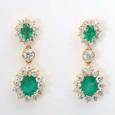 Stud earrings m. emeralds & diamonds