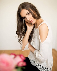 Marvelous Beauty and Lifestyle Portrait Photography by Raphaela Wagner