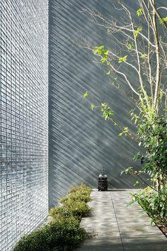 CJWHO ™ (hiroshi nakamura #optical #nakamura #design #interiors #hiroshi #glass #architecture